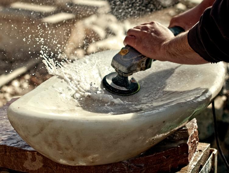 Polishing Yule marble sink - photo Shane Rich