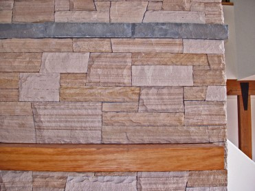 Colorado buff sandstone veneer, dry laid look with Pennsylvania bluestone banding