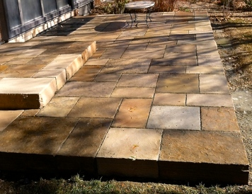 Colorado buff patio with thick edge, ashlar pattern