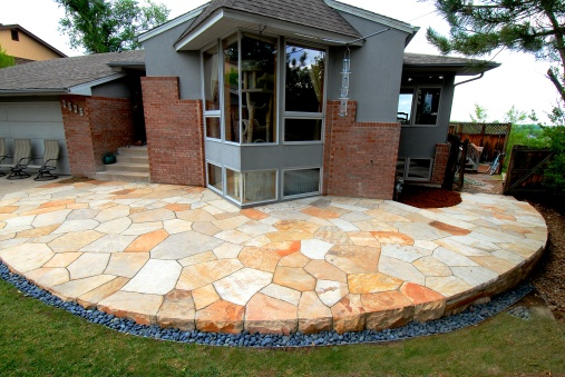 Dry laid patio,Colorado buff, design Kimmerjae Johnson - photo Russ Croop