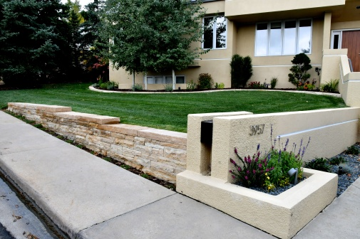 Dry laid Colorado buff sandstone wall - photo Russ Croop
