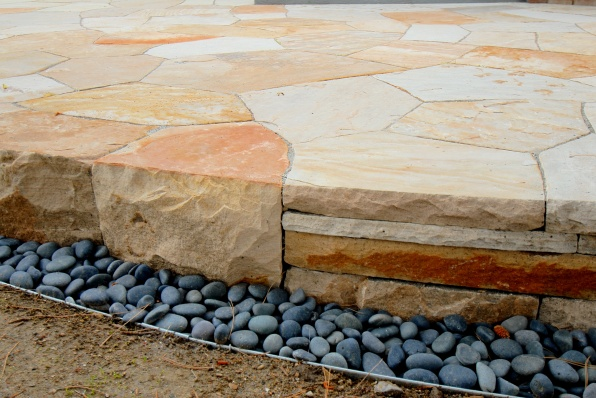 Colorado buff sandstone patio detail - photo Russ Croop