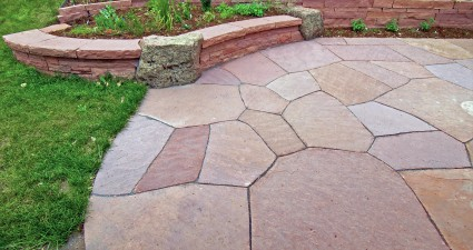 Dry laid patio and planter wall, design Kimmerjae Johnson - photo Russ Croop