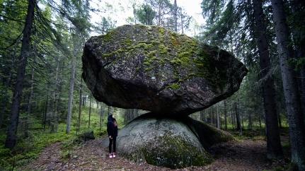 Kummakivi Finland
